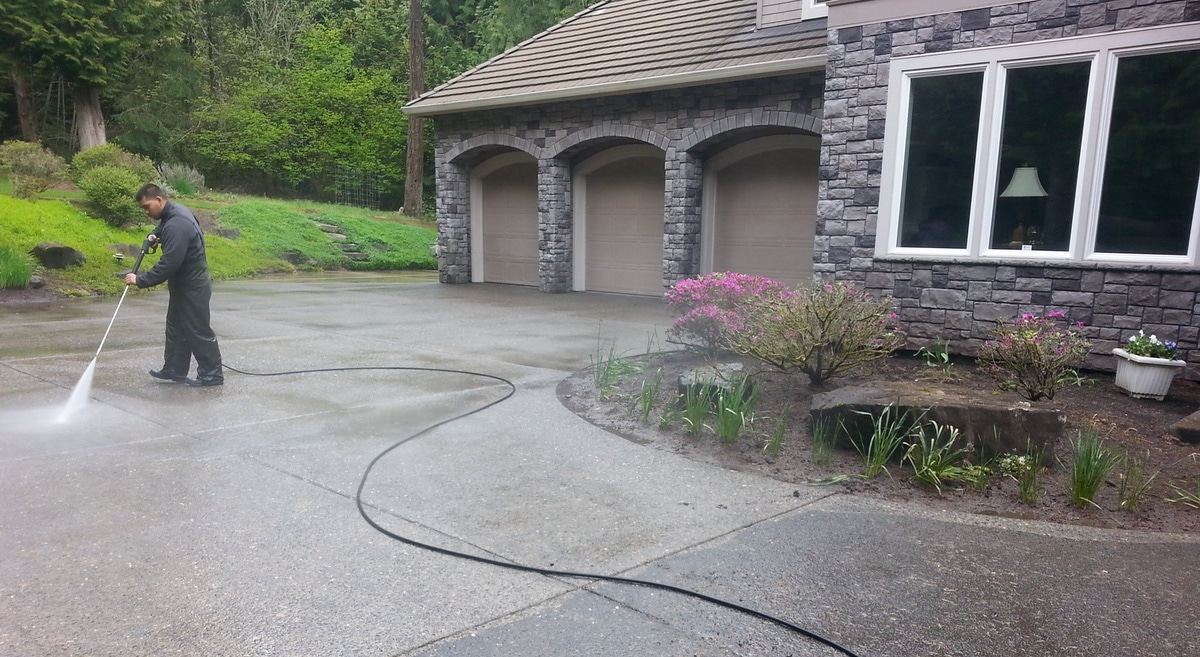 Surface-Cleaning-Driveway-Portland