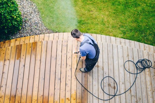 deck cleaning services
