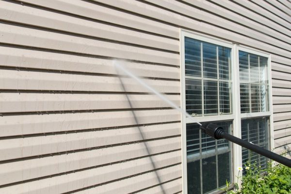 cleaning siding